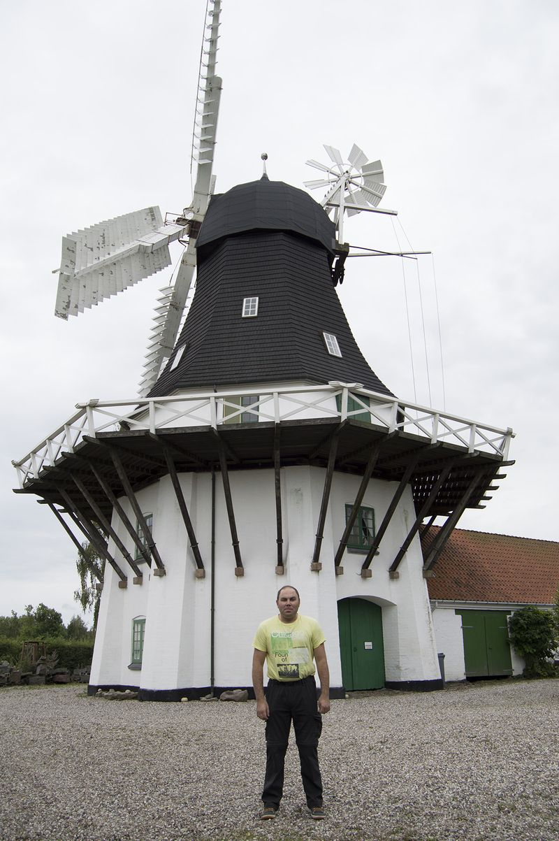 I am near the old windmill in Egeskov, on island Funen, at 1 of September 2014