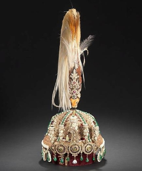 kings of nepal crown