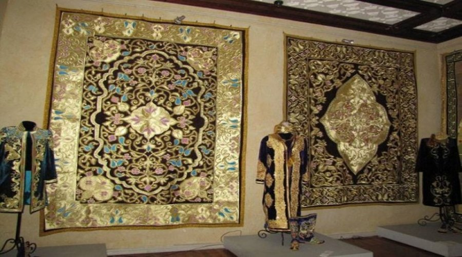 Bukhara gold embroidery weaving